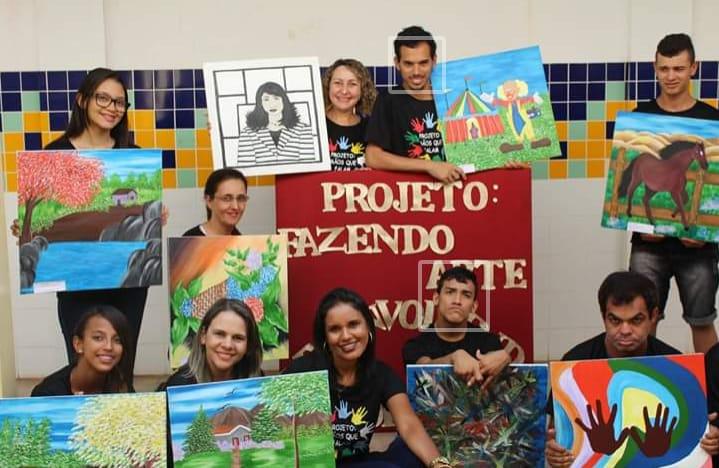 Colégio de Guaraí promove exposição com obras produzidas por alunos do ensino especial