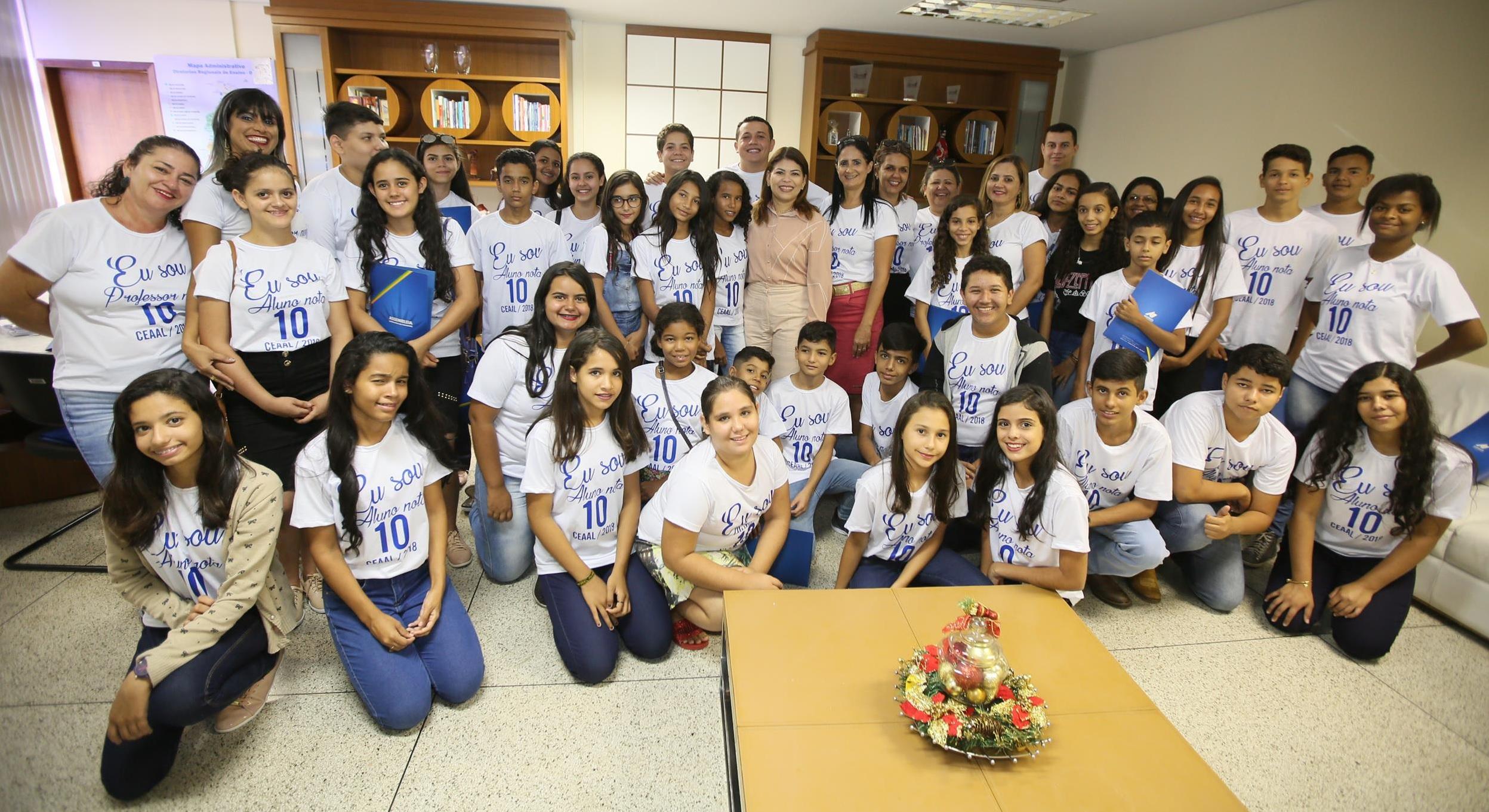 Alunos destaque de escola guaraiense são premiados com viagem cultural para Palmas