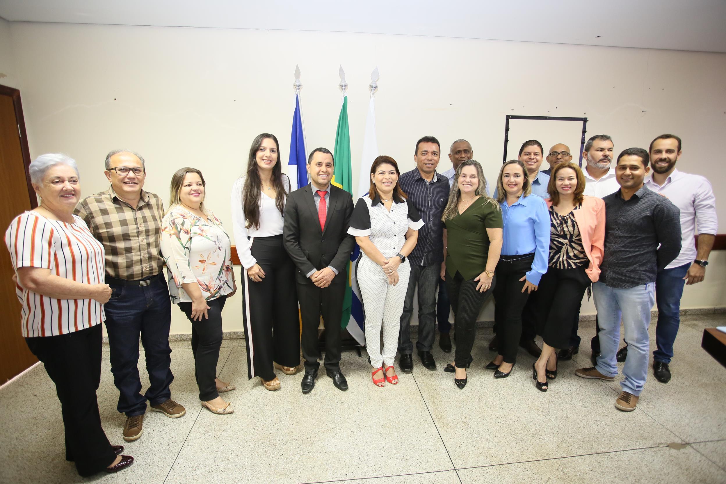 SEDUC empossa 13 novos diretores ensino, incluindo substituta de Padre Milton em Guaraí