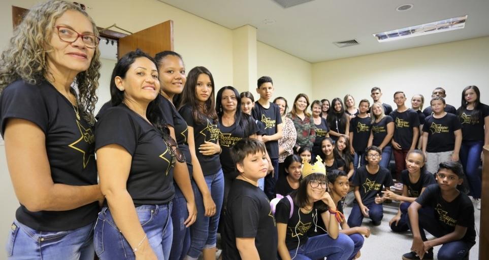 Estudantes destaque do Colégio Anaídes de Guaraí ganham passeio turístico em Palmas