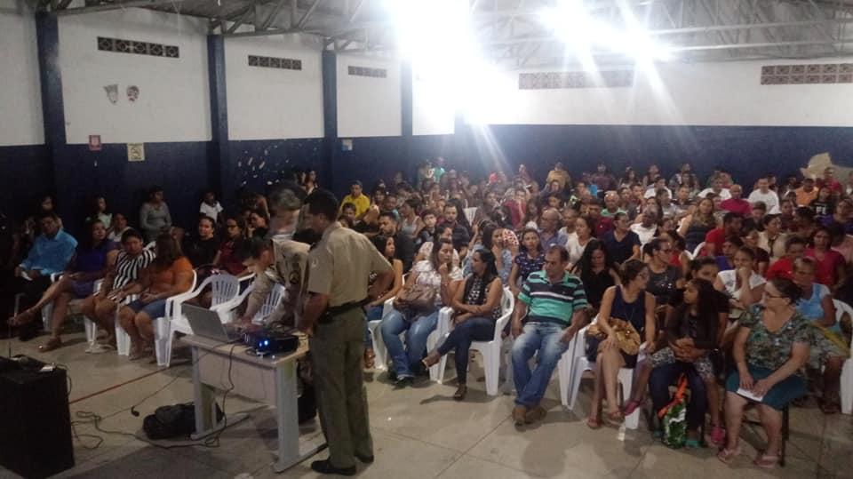 Foto: Divulgação - As aulas na unidade terão início na próxima segunda-feira (04/02) e os alunos devem se apresentar uniformizados, vestindo calça jeans azul, camisa branca e calçando tênis preto.