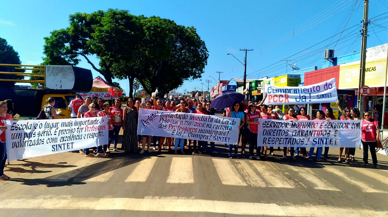 """Ainda sem acordo, educadores municipais anunciam """"operação tartaruga"""" nas escolas de Guaraí"""