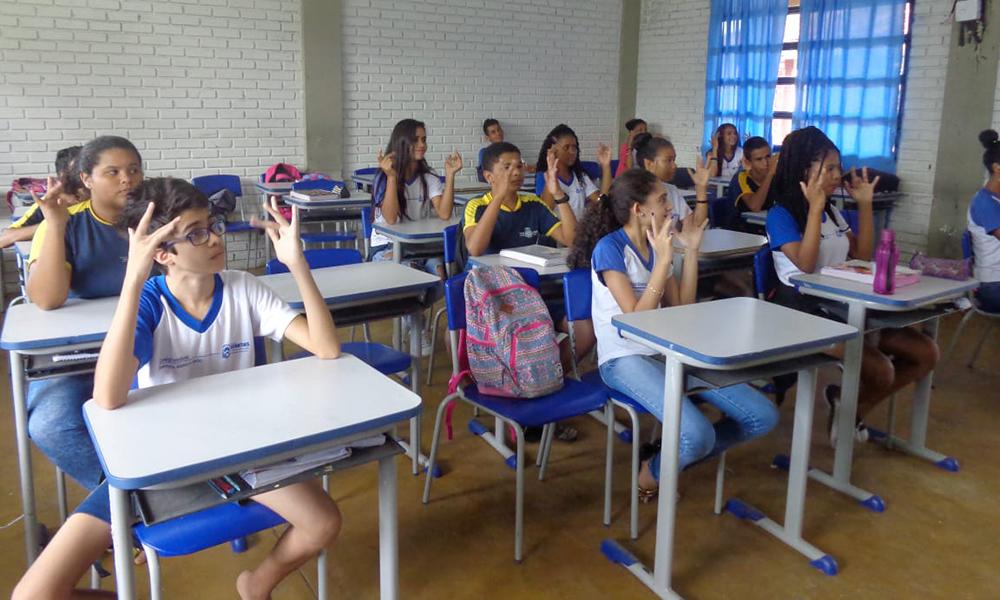 Foto: Divulgação/SEDUC - Na moção de aplausos, a Câmara de Vereadores também destacou o empenho da escola em firmar parceria para a capacitação dos profissionais que atuam na rede municipal.