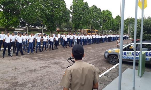 Foto: Divulgação/PM-TO - Durante a apresentação, o comandante do batalhão, Major Cândido, fez questão de frisar que o quartel será a extensão da Escola durante todo o processo de formação dos estudantes.