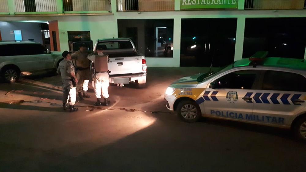 Acusados de roubar caminhonete e sequestrar ocupantes em Guaraí são presos pela PM