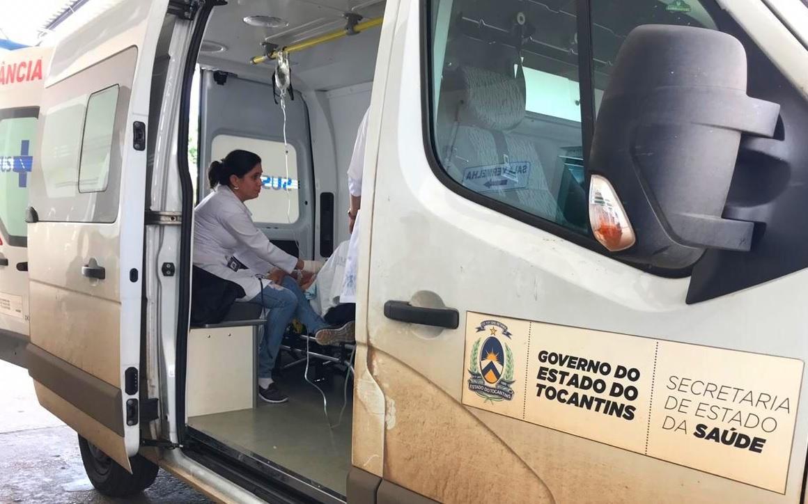 Idosa de Guaraí espera mais de duas horas dentro de ambulância para ser atendida no HRA