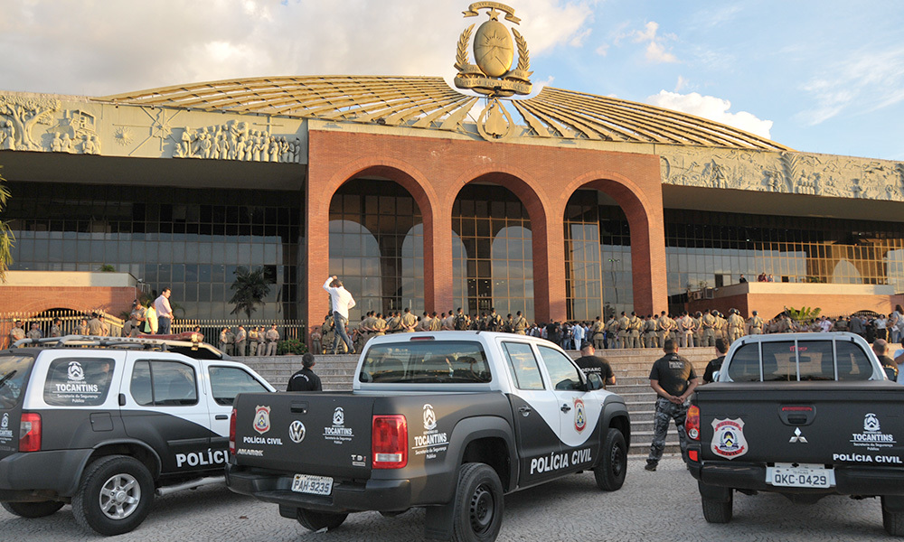 Carlesse assina decreto proibindo delegados da Polícia Civil de criticar o Governo do Estado