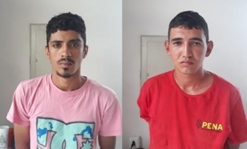 Foto: Divulgação/WhatsApp - Wangleson Matias De Sousa, de 23 anos e Jardel Cláudio Turíbio Ramos, de 28 anos, foram detidos em Pedro Afonso. Eles estavam em um bar, com uma moto furtada em Guaraí na noite anterior.