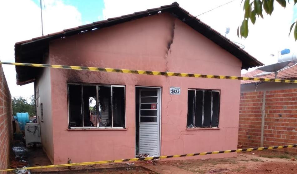 Vizinha fica gravemente ferida ao tentar ajudar a apagar incêndio em imóvel urbano de Guaraí