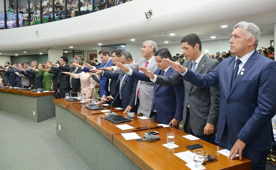 Deputados estaduais eleitos em 2018 tomam posse na Assembleia Legislativa do Tocantins