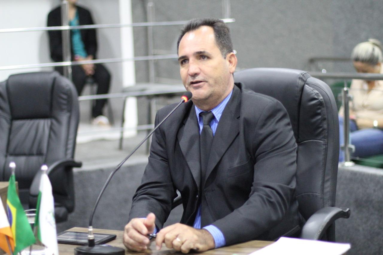 Vereador guaraiense sugere lei para obrigar BRK a instalar bloqueador de ar nos hidrômetros