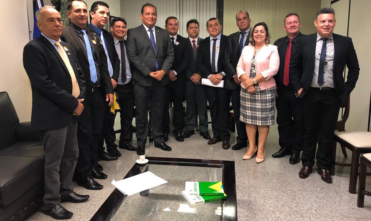 Vereadores participam de marcha em Brasília e solicitam recursos para iluminação da BR-153