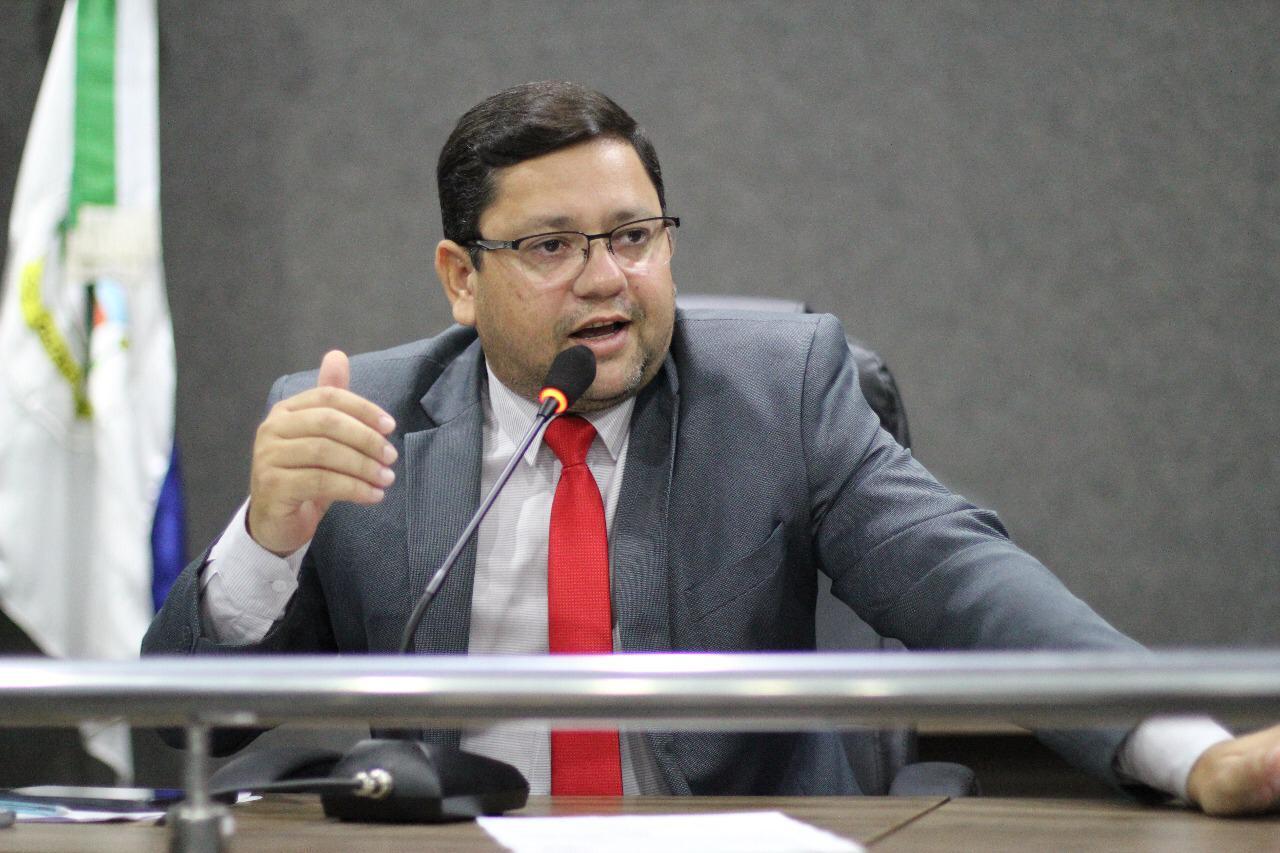 Câmara de Guaraí aprova gratificação para professores regentes e sugere redução da UFIG