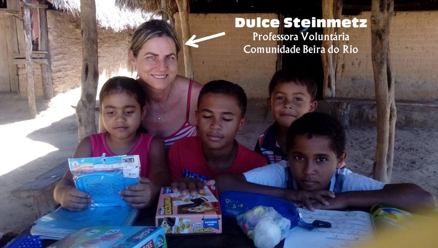 Voluntária de escola da zona rural de Guaraí alfabetiza alunos oferecendo aulas de reforço
