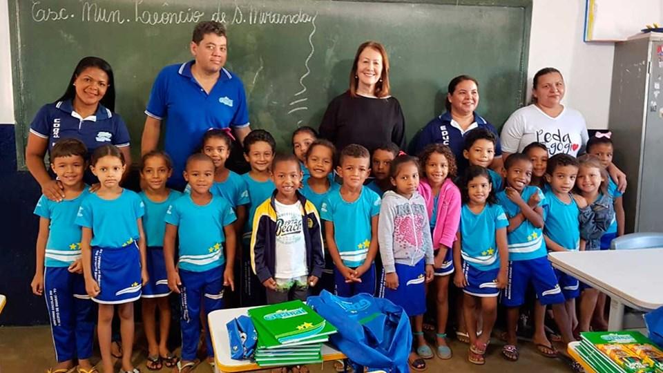 Cerca de 2,5 mil alunos da rede municipal de Guaraí recebem novos kits de material escolar