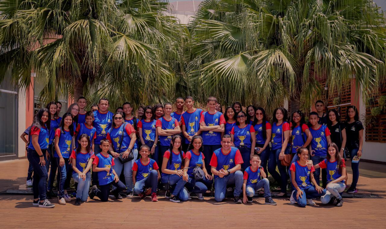 Alunos destaque do Colégio Militar de Guaraí participam de passeio cultural em Palmas