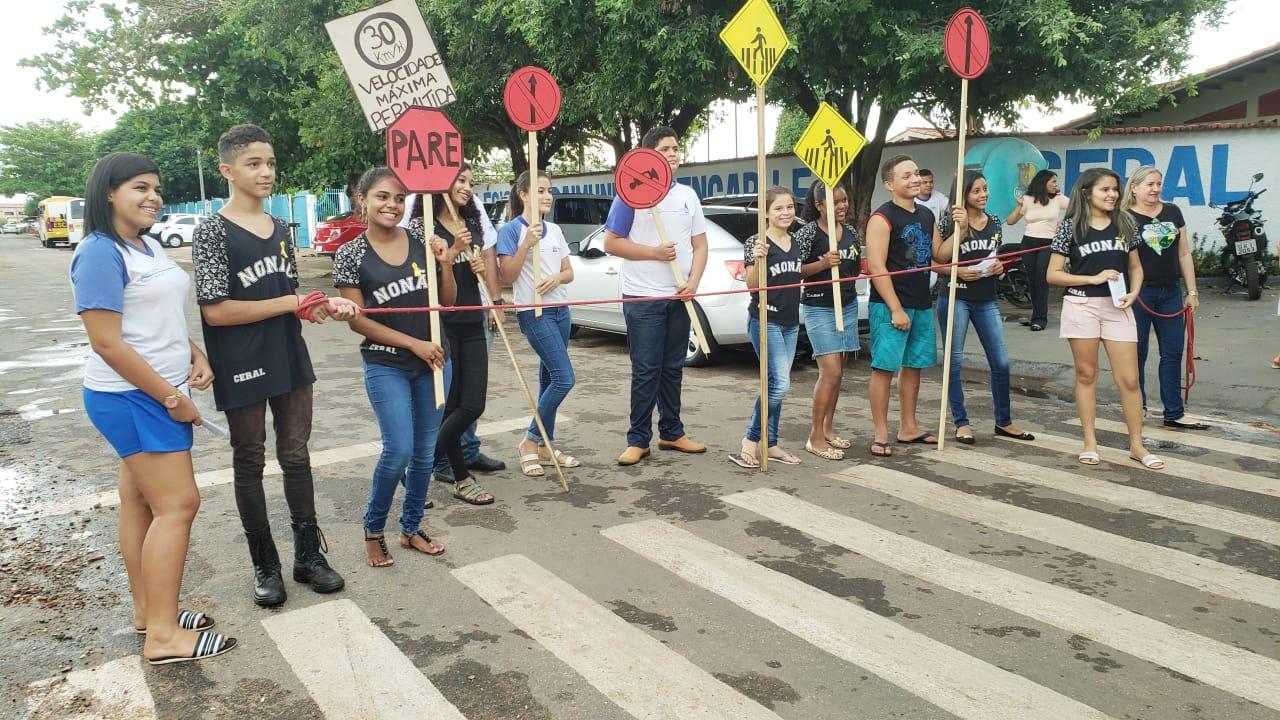 Estudantes cobram sinalização de trecho que no papel já é de mão única desde abril em Guaraí