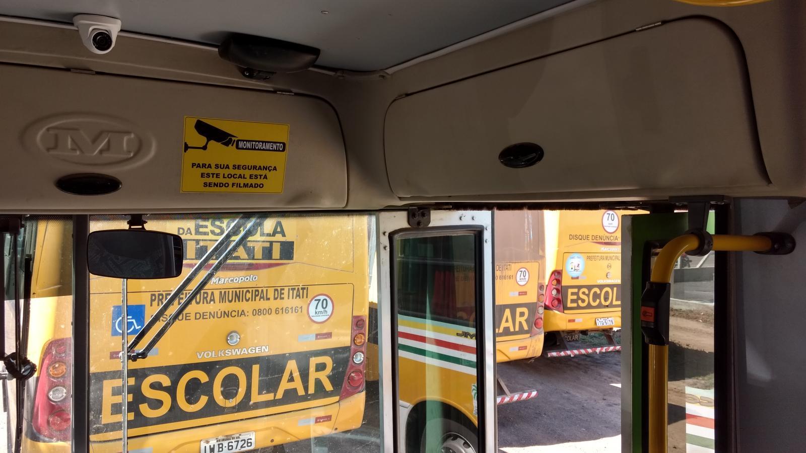 Ônibus do transporte escolar receberão novos estofados e câmeras de segurança em Guaraí