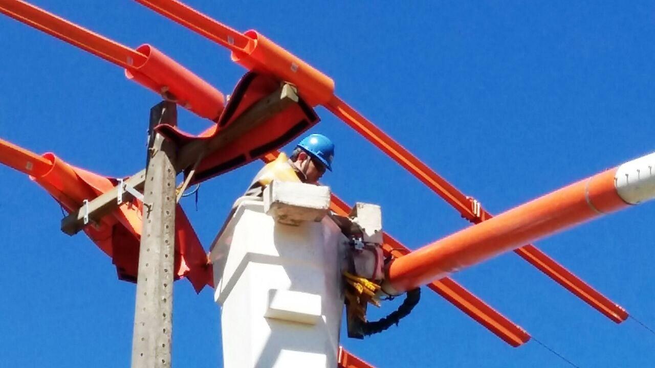 SINE de Guaraí oferta oportunidades para vendedora interna e eletricista de linha viva