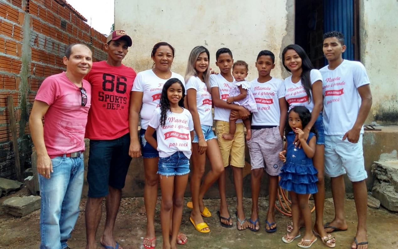 Projeto desenvolvido por funcionário público oferece dia especial para mãe de 7 filhos em Guaraí