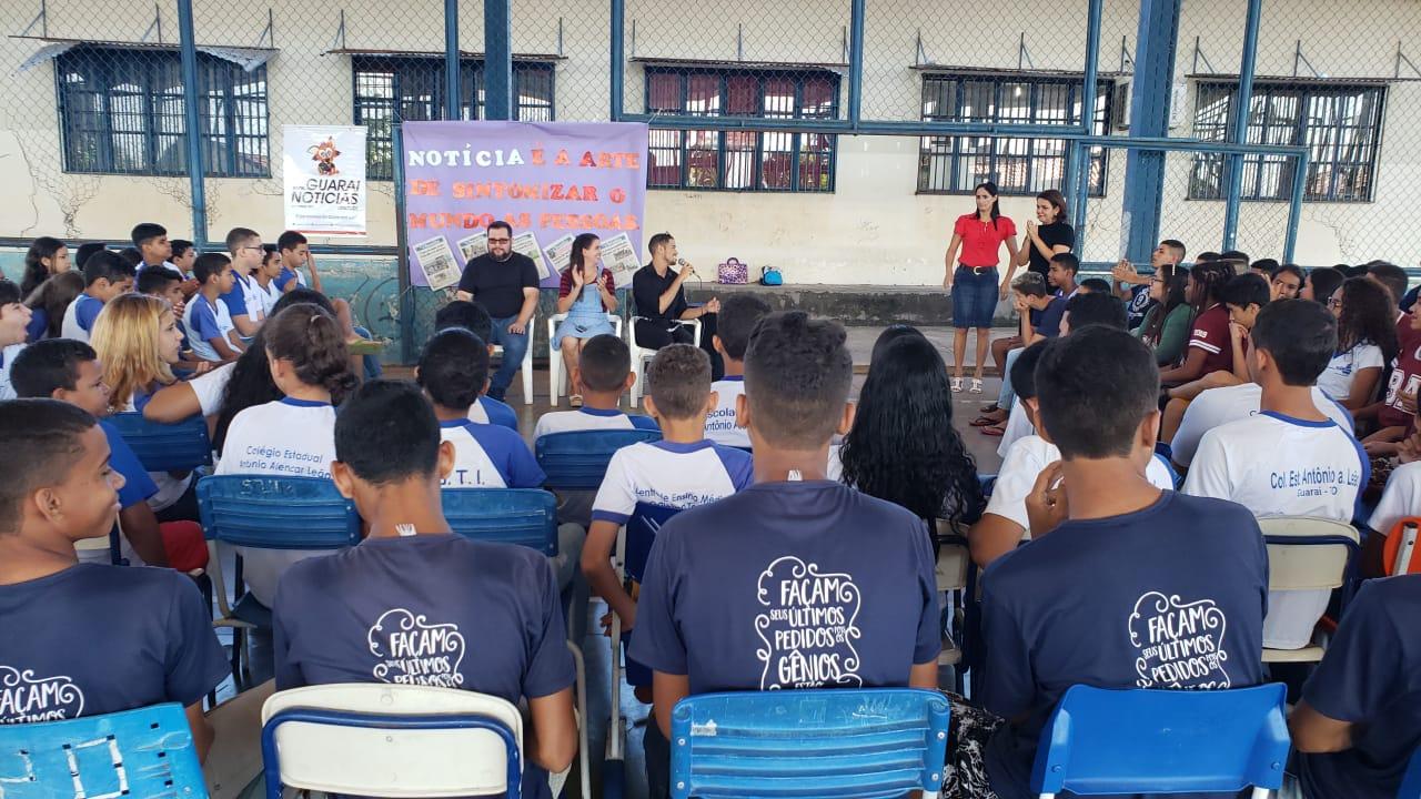 Colégio de Guaraí promove bate-papo com comunicadores locais que atuam na internet