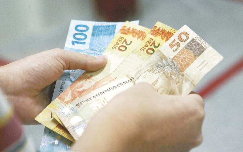 Governo projeta salário mínimo R$ 1.040,00 para 2020, mas valor pode mudar no Congresso