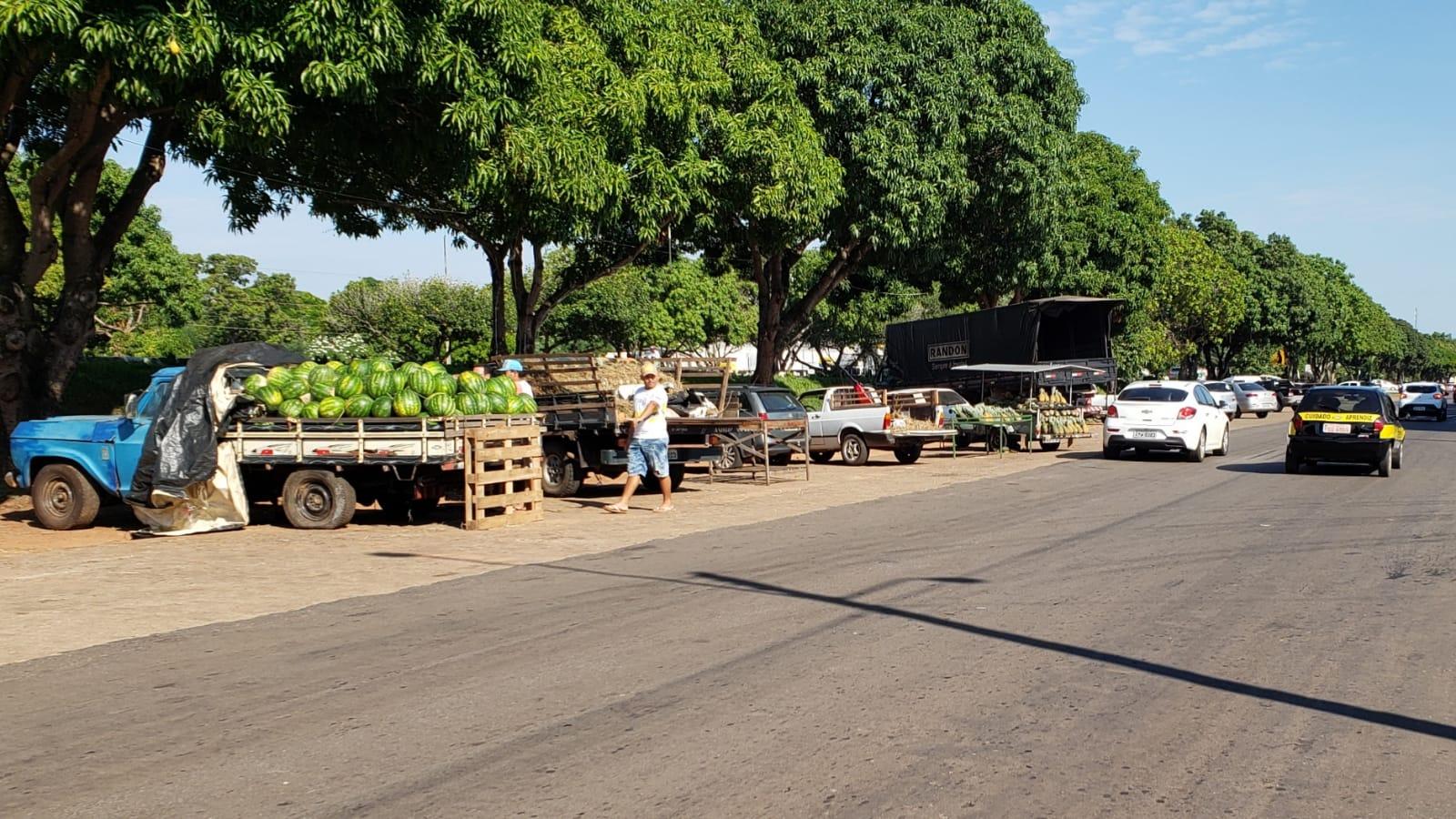 MPE recomenda que vendedores de chambari e ambulantes ocupem local fixo em Guaraí