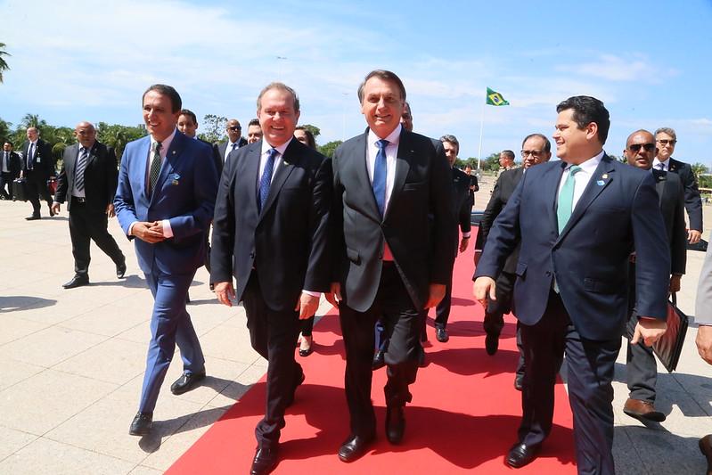 No TO, Bolsonaro acompanha assinatura de empréstimos que podem gerar 20 mil empregos