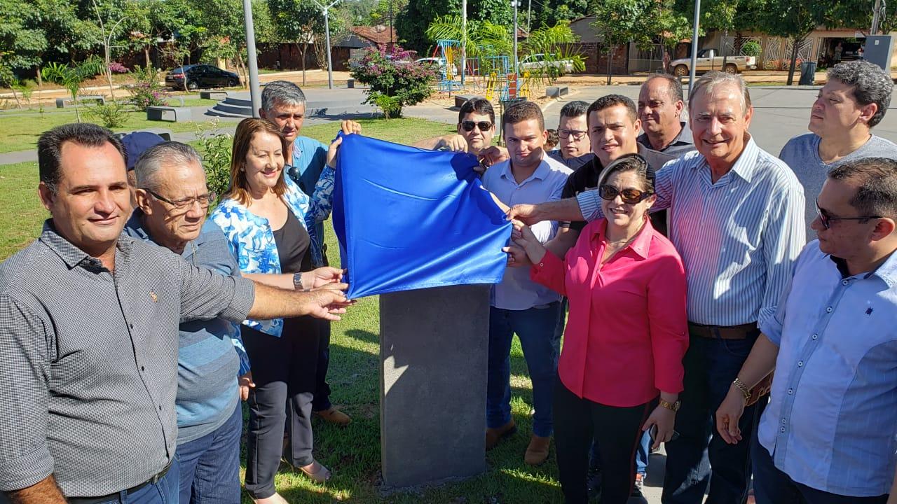 10 anos depois, praças nos setores Piassava e Canaã são finalmente entregues em Guaraí