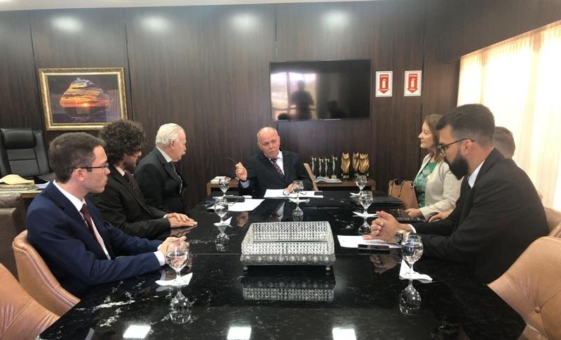 Termo de cooperação prevê o oferecimento de apoio para regularização fundiária em Guaraí