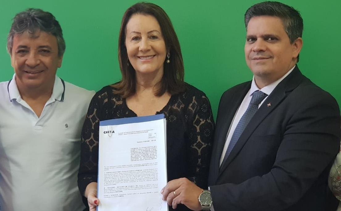 Prefeita Lires assina contrato milionário para modernização da gestão com a Caixa Econômica