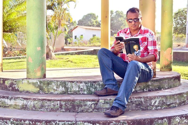 Premiado escritor que reside em Guaraí prepara seu segundo livro de contos inéditos