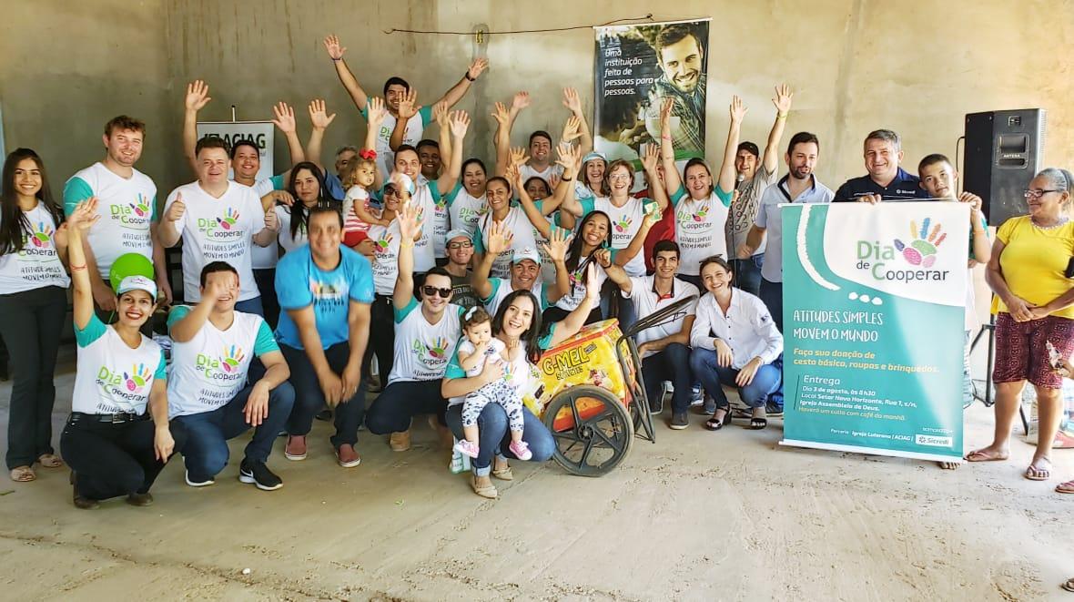 Famílias carentes do Novo Horizonte são beneficiadas por ação promovida pela Sicredi em Guaraí