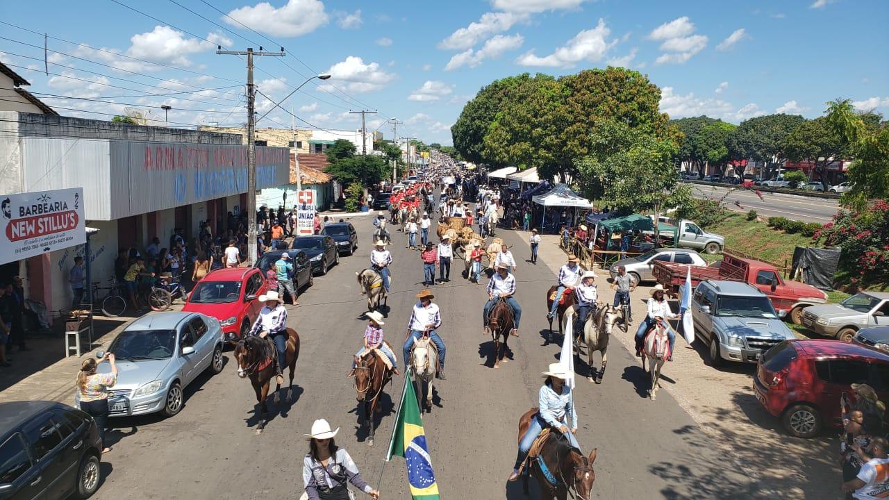 Cerca de 20 mil pessoas prestigiam cavalgada de Guaraí, uma das maiores realizadas na região